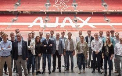 Tuinbouwtop meet zich aan Ajax